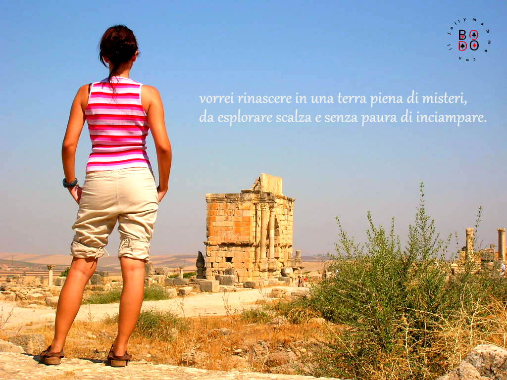 donna che guarda l'orizzonte (Turchia)