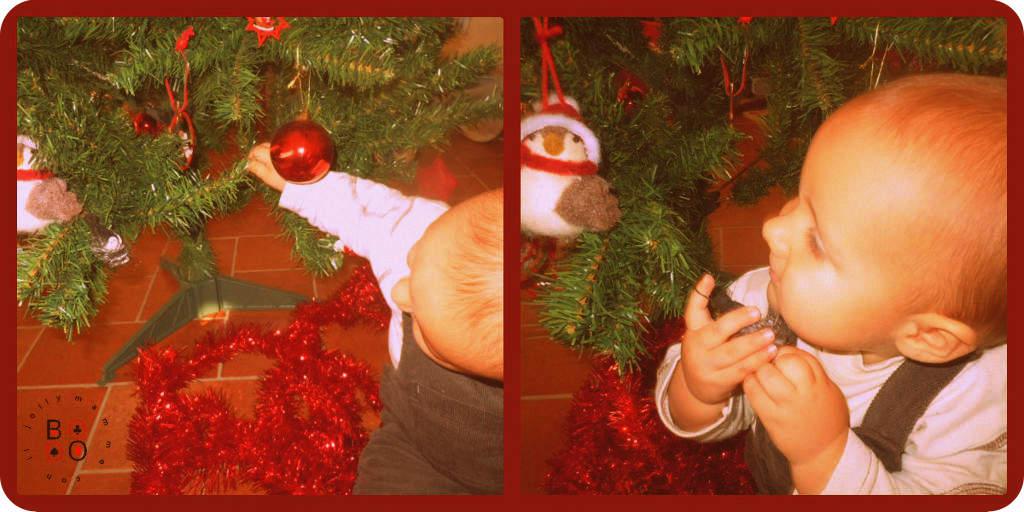 bimbo e albero di Natale