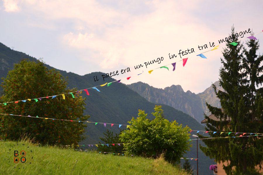 paese di montagna in festa