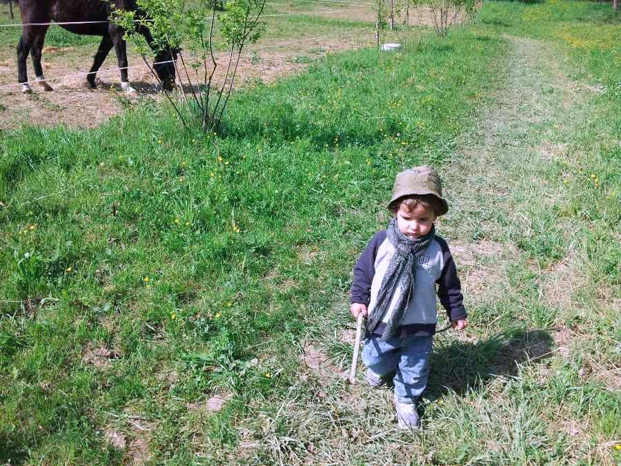 bimbo in campagna