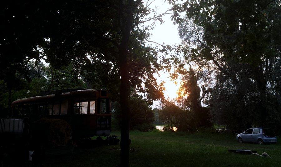 campeggio sul fiume