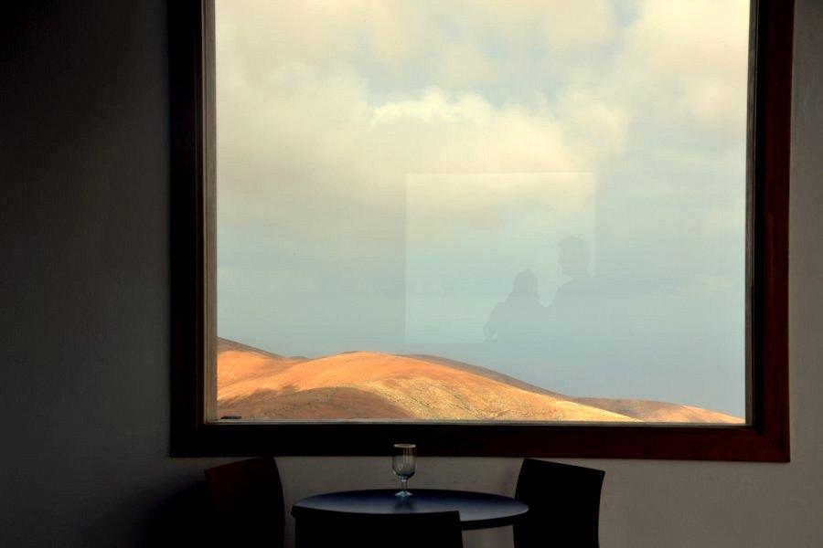 mondo alla finestra